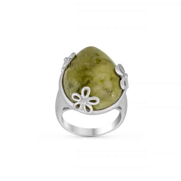 Daisy Connemara Ring